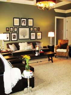 Seriously, I need some ideas for decorating a LARGE wall space. SO difficult! projects-for-the-home