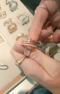 >> Pandora Rose Gold Crown Ring