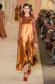 Roksanda's Spring Collection Is Anything but Rusty Roksanda Spring/Summer 2017