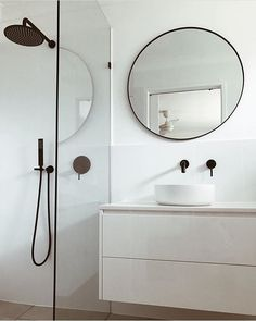 @tiff_lubke #interiordesign #architecture #bathroom #australia #taps .... Comment below if you like it