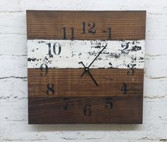 Reclaimed Barn Wood Clock 16x16 Recycled Like от ThePinkToolBox