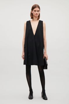 COS image 4 of A-line dress with low V-neck in Black Simple Outfits, Autumn Winter Fashion, Cool Style, Fashion Dresses, Dresses With Sleeves, Street Style, Clothes For Women, Womens Fashion, How To Wear