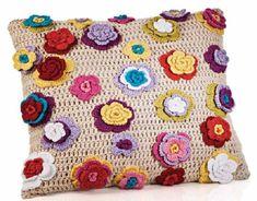 Almofada Floral Colorida com Fio Sirena