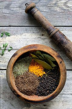 Various spices in old mortar and pestle Spices And Herbs, Bay Leaves, Foodblogger, Mortar And Pestle, Turmeric, Food Styling, Spice Things Up, Food Art, Herbalism