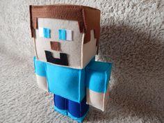 Boneco Minecraft em Feltro,  40 Cm de altura  Excelente acabamento.  Ideal para suas decorações.