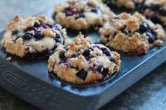 Jag bakade urgoda blåbärsmuffins förra veckan, muffins är inget jag bakar ofta men detta receptet hade jag gått & klurat lite på. En vaniljfylld muffins med smak av blåbär & toppad med crunch, resulta