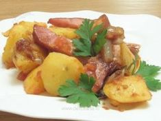 veggie bacon instead. Great Recipes, Potato Salad, Delish, Bacon, Potatoes, Lunch, Vegetables, Ethnic Recipes, Food
