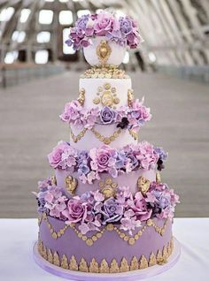 Ten Inspiring Wedding Cakes for your Creative Sweet Tooth