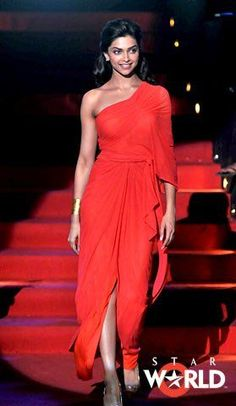 Deepika Padukone in hot red Dipika Padukone, Evening Outfits, Celebs, Celebrities, Indian Outfits, Bollywood Actress, Indian Actresses, Lady In Red, Beautiful People