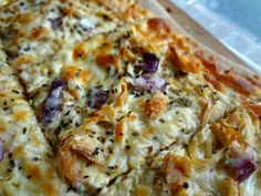 The Cooking Actress: Roasted Garlic, Chicken, and Herb White Pizza