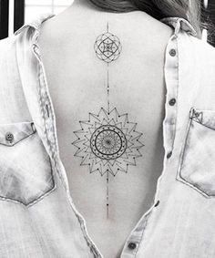 Mandala tattoo design ideas that are anything but basic. These mandala designs aren't just beautiful -- a mandala tattoo's meaning is also significant. Mandala Tattoo Meaning, Geometric Mandala Tattoo, Sacred Geometry Tattoo, Mandala Tattoo Design, Henna Tattoo Designs, Dream Tattoos, Body Art Tattoos, Back Tattoo Women, Tattoos For Women