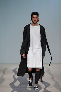 There is never a dull moment when finding new fashion trends on this site. Hospital gowns and bath robes.