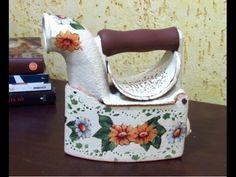 Antique Iron, Iron Art, Iron Decor, Tole Painting, Diy Home Crafts, Watering Can, Decoupage, Tea Pots, Decorative Boxes