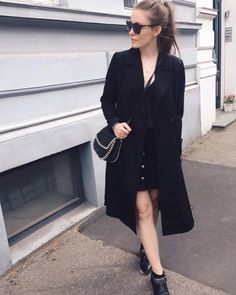 """202 likerklikk, 2 kommentarer – Mia Gardum (@miagardum) på Instagram: """"Rare ting: bare ben i start-maj. Hotdogs, øl og kongespil. Festivalfølelse i byen. En ren…"""""""