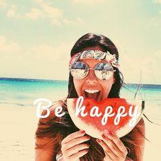 Pase lo que pase siempre #sonríe y sé #feliz ! @alaplaya.co