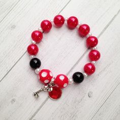 Minnie Mouse Charm Bracelet Birthday Party Favor Red polka dot Minnie Mouse Party Favor Minnie Mouse Birthday Red Minnie Mouse Bracelet by MichelleAndCompany on Etsy Beaded Jewelry, Beaded Necklace, Beaded Bracelets, Kids Jewelry, Jewelry Making, Sterling Silver Name Necklace, Silver Ring, Silver Earrings, Red Minnie Mouse