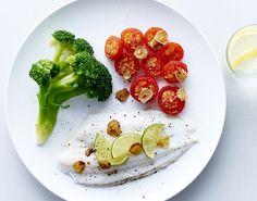 Fedtfattigt! Damp en fornem rødtunge med masser af velsmag, fintsnittede hvidløgschips, spændstig broccoli og bagte tomater - på kun 30 minutter.