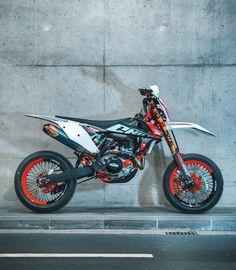 Ktm Dirt Bikes, Cool Dirt Bikes, Ktm Motorcycles, Dirt Bike Gear, Ktm Supermoto, Yamaha Wr, Motorcross Bike, Ktm Exc, Motorbike Design
