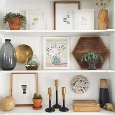 These shelves are perfect. Pretty art, and love that hexagon tray and all the wood and gold tones. Decor, Bookshelf Styling, Shelves, Interior, Bookcase Decor, Home Decor, Room, Room Decor, Wood Floating Shelves