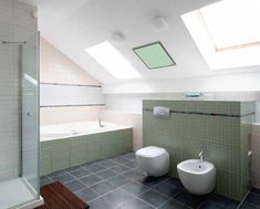 Are you looking for some tips for a cutting-edge green bathroom? Check out these 5 tips for a cutting-edge green bathroom. Loft Bathroom, Grey Bathrooms, Modern Bathroom, Bathroom Interior, Luz Natural, Cracked Tile Repair, Honeycomb Shades, Bathroom Accessories Luxury, Bathroom Photos
