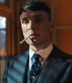 Are you ready?! Peaky Blinders S4 E3 premieres at 9PM on @bbctwo. · #spoilerfreezone #cillianmurphy #peakyblinders #tommyshelby
