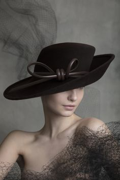 New Ideas for hat fashion design philip treacy Fancy Hats, Cool Hats, Top Hats For Women, Women Hats, Hats For Short Hair, Philip Treacy Hats, Stylish Hats, Church Hats, Estilo Retro