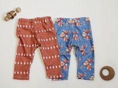 DIY-Anleitung: Baby-Leggings aus Lieblingsstoff selber nähen via DaWanda.com