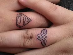 25 Couples Who Opted For Romantic Finger Tattoos Instead Of Traditional Wedding Rings - Minq.com