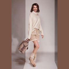 110 отметок «Нравится», 24 комментариев — Fashion stylist (@tatianabrunner) в Instagram: «😀😀😀 Lookbook for Viktoria Boutique: @viktoriabucher Model: @_antonellanigro_ Styling:…» Fashion Shoot