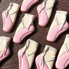 Swirls and twirls ... cause that's what you do when you turn four . . . #balletcookies #ballerinacookies #girlycookies #swirlsandtwirls…
