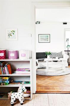 A swedish family home in summer time. Ester Sorri / Hus o Hem.