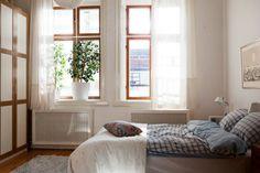 sweet simple bedroom