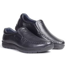 Pierre Cardin presents from its wide range of footwear, a handstitched yet lightweight slip-on. Crafted from pure leather NDM, this style comes with cushioned collars , a rubber sole and a distinctly handstitched upper. Style and comfort merged at its best , this slip-on is the perfect design for your 9 to 9 routine. Our breathable leather lining neutralises moisture and eliminates odour for a forever –fresh feeling. #handstitch #black #mensfashion #mensshoes #slipon #cushioned #collars #9to9