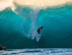 Gabriel Medina torna-se o primeiro brasileiro campeão mundial de surfe