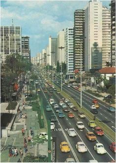 Avenida Paulista nos anos 70.