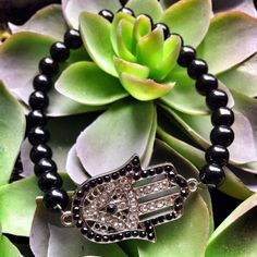 Silver Hamsa Hand with Stones Onyx Beaded Bracelet #yoga #yogajewelry #hamsa #evileye #healingjewelry #yogi #boho #bohojewelry #mala