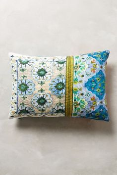 Pirra Cushion - anthropologie.eu