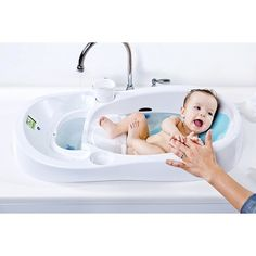 4moms® Infant Tub™ clean water in and dirty water out