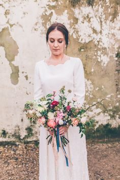 Winter spring wedding bouquet // Cosy winter wedding at River Cottage // Larissa Joice Photography // The Natural Wedding Company