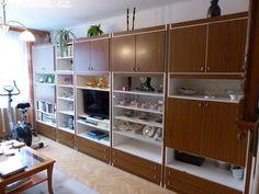 Prodám velmi zachovalou hnědo-bílou obývací stěnu. VxŠxH: - obrázek číslo 3
