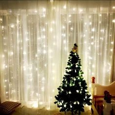 LED Curtain Lights, QcoQce Window Curtain Fairy Lights, 300 LEDs, × 8 Modes Icicle String Lights with Remote Control for Outdoor Party Wedding Christmas Garden Bedroom Decoration