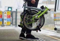 Seit vielen Jahren arbeitet Brompton an der Elektroversion ihres berühmten Klapprads. Mitte 2017 soll es endlich so weit sein: Das Brompton e-Bike rollt an.