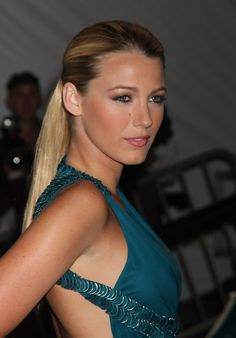 While hitting the Met Gala in new York, Blake showed off her sleek ponytail 2009.