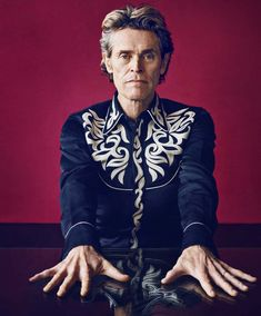 Willem Dafoe strikes a pose as he covers the fall-winter 2018 issue of Esquire The Big Black Book. Dafoe poses for the lens of photographer Marc Hom… Willem Dafoe, Williams James, Old Hollywood Stars, Black Books, Interesting Faces, Big Black, Strike A Pose, Esquire, Actors & Actresses