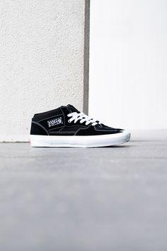 Vans Half Cab Vans Slip On, Rubber Shoes, Bmx, The Help, Sneakers, Tennis, Slippers, Vans Slippers, Sneaker