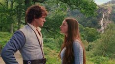 Prince Char (Hugh Dancy) is attracted to Ella of Frell (Anne Hathaway), the one girl not impressed by him. Ella Enchanted Movie, Movies Showing, Movies And Tv Shows, Shakespeare In Love, Gone Girl, Hugh Dancy, Movie Couples, Celebrity Travel, Anne Hathaway