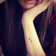 Resultado de imagen para tatuajes antebrazo mujer pequeños