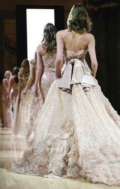 fashion week. break out the showstoppers #eliesaab #couture #neutral