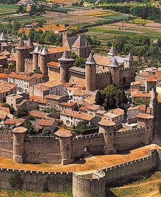 Carcassonne ~ Languedoc ~ France Château Comtal ~ The Castle of Raymond Roger Trencavel, Viscount of Carcassonne, Béziers, Albi and the Razès. Beautiful Castles, Beautiful Buildings, Beautiful Places, Places To Travel, Places To See, Photo Chateau, Carcassonne France, Visit France, South Of France