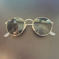 e6cb379707 Ray Ban Sunglasses Cute round Ray Bans. Worn ONCE. Cloth